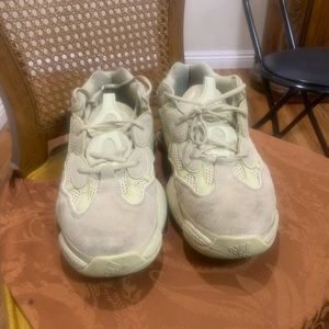 Yeezy 500 supermoon yellow size 13